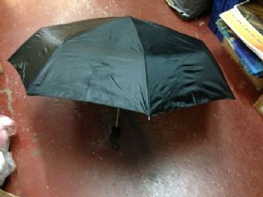 Black foldable umbrella